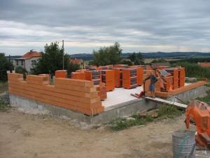 Stavba bungalovu